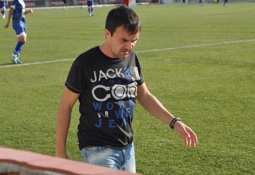 Javi Cuesta  va dimitir el passat com a responsable tècnic del primer equip gris i grana  // FOTO: Bernat López