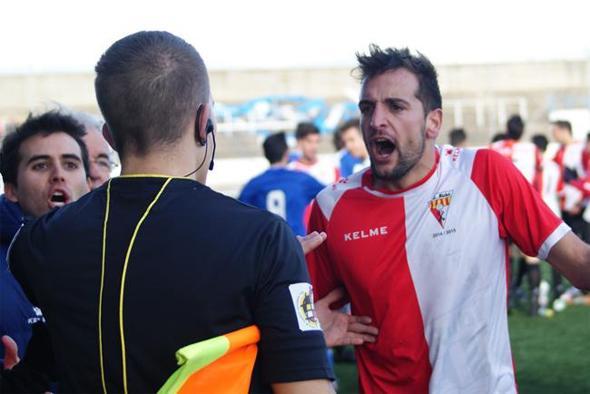 Eren altres temps: primera etapa al Rubí (2015) club en el qual ara deixa el futbol actiu. // FOTO: Roger Sánchez