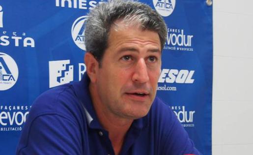 Manolo Márquez deixa de ser l'entrenador del Sant Andreu // FOTO: uesantandreu.cat