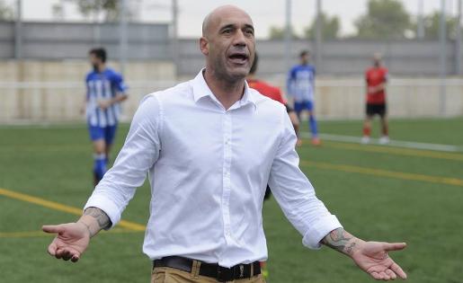 Dani Gimeno explica la seva versió sobre el que ha viscut al CF Vilanova // FOTO: fcsantboia.cat