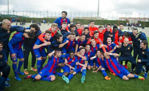 El Barça celebra la Divisió d'Honor Juvenil conquerida a dues jornades del final // FOTO: FC Barcelona.cat