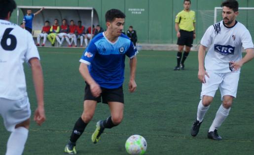 La bogeria de gols entre Hermes i Horta a Montgat es va resoldre a favor del líder // FOTO: Manel Expósito