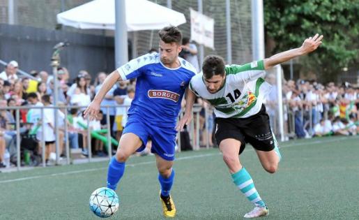 La lluita va presidir el primer partit de la fase d'ascens a Tercera i el Reus B va donar primer // FOTO: CF Reus