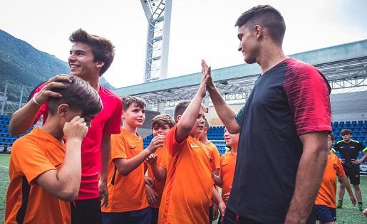 Riqui Puig ,Denis Suárez, Nike