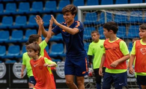 Portal amortiguar blanco lechoso  Riqui Puig brilla al Nike d'Andorra - FutbolCatalunya.com
