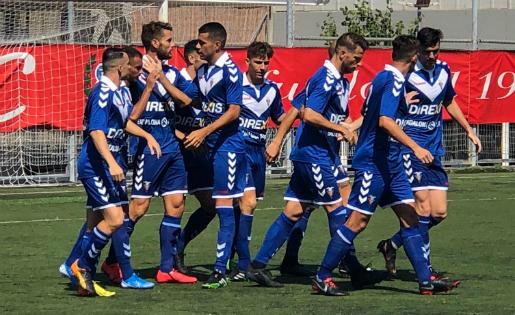 Els jugadors del Badalona van aconseguir un triomf incontestable // FOTO: Jordi Mestres