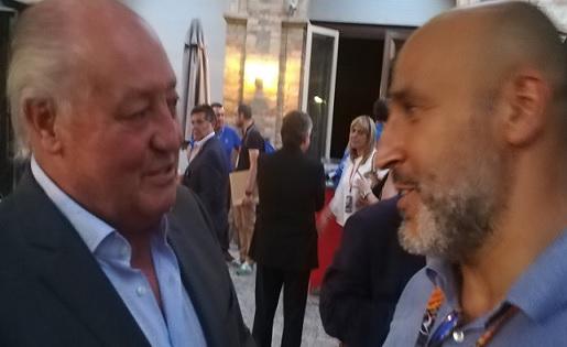 Joan Soteras i el 'presi' del Gavà, a l'Assamblea de Tàrrega . Ara, FCF-Carrillo, amics per sempre// FOTO: Futbolcatalunya,