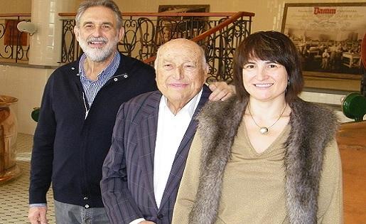 Josep Barcons, Damm, Carlos, Cristina
