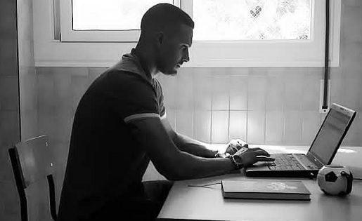 Javito també li dóna a l'ordinador amb passió // FOTO: O.M.
