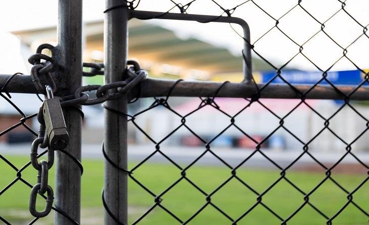 Prossegueix l'estira-i-arronsa entre els clubs de Primera Catalana i una Federació tancada a noves iniciatives// FOTO: @QueThiJugues