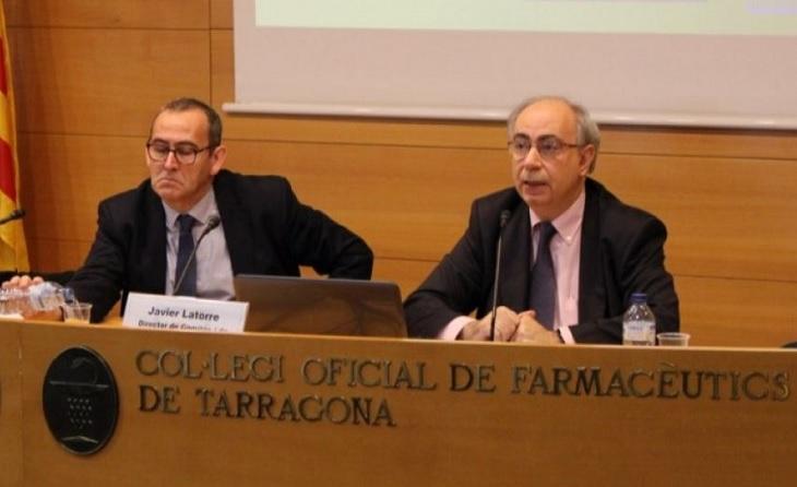 Cessen a l'advocat Javier Latorre (primer a la dreta) però segueix a el front dels Comitès // FOTO: COFT