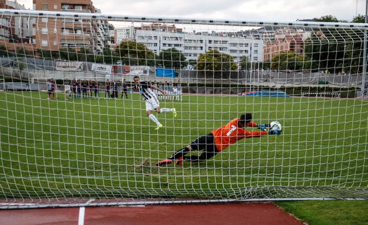 Així va aturar el penalti a Antonio // FOTO: Javi Borrego