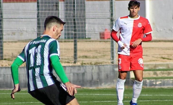 Ritxi Mercader (Peralada>) va acabar amb una ratxa de 31 partits consecutius invicte del Girona B // FOTO: Oscar Pérez del Campo