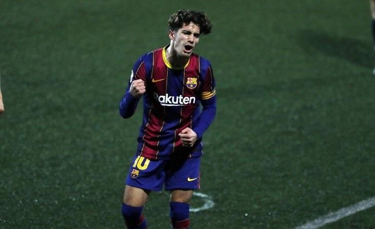 Un gol de 10 per al 10 del Barcelona B, Àlex Collado. Aquesta acció es tradueix en tres punts per als de Pimienta // FOTO FC Barcelona