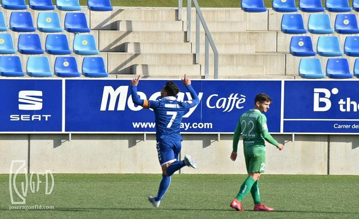 Segona B: doblet personal de Robert Simón i victòria de l'equip de Manolo González al Municipal // FOTO: Jose Ragon