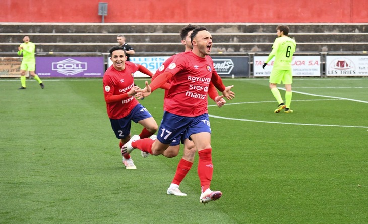 L'Olot torna a gaudir amb Jordi Xumetra i els seus gols // FOTO: UE Olot