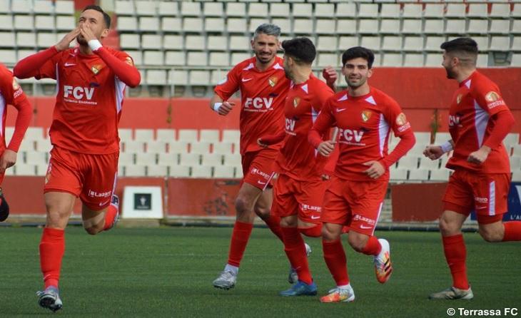 Alex Fernández és un luxe de futbolista per a qualsevol equip i els seus gols sempre són definitius // FOTO: Terrassa FC