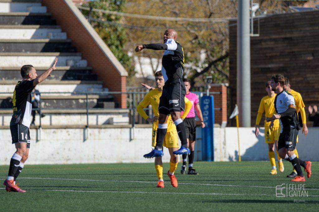 Alfi Conteh és un dels pocs futbolistes que encara segueix en la disciplina de l'Horta // FOTO: Felipe Gaitán