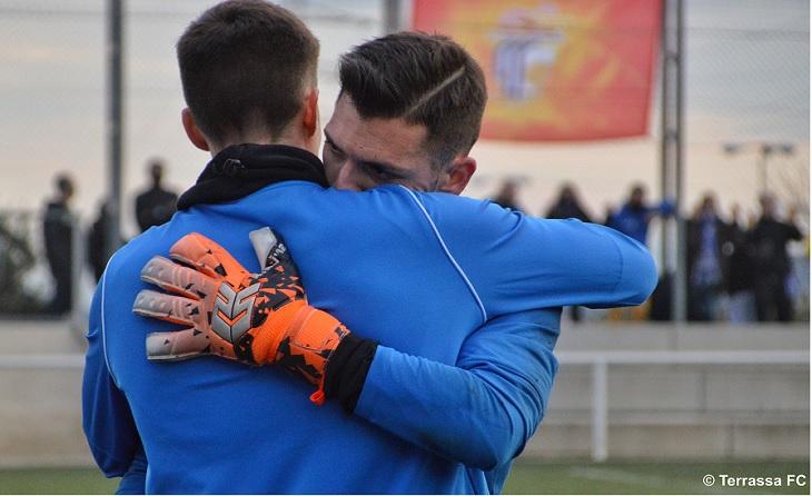 Canvi obligat per lesió: Jose Ortega deixa el seu lloc a Xavi Betrán // FOTO: Terrassa FC