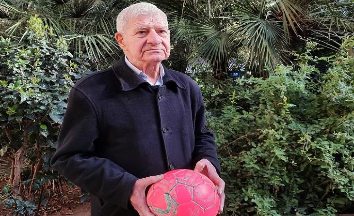 Antonio Baraza ha estat tota la seva vida unit a la pilota i a tots els seus protagonistes // FOTO: Montse
