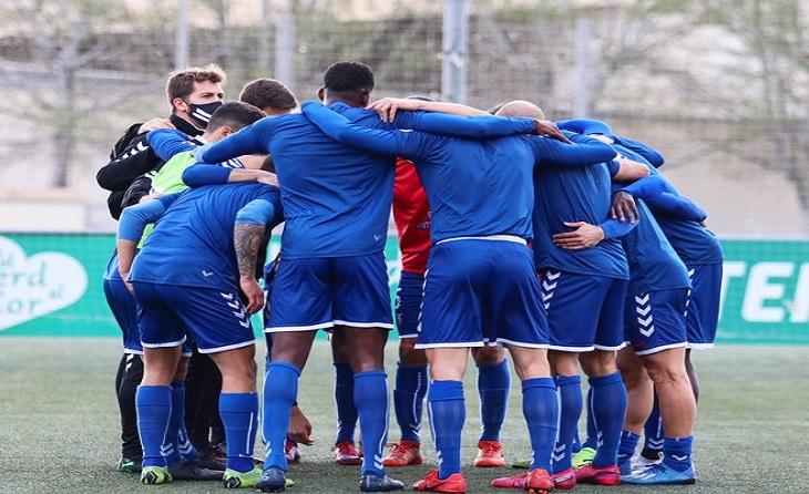 El Badalona de Manolo González encara acaricia el somni de ficar-se a la Segona B Pro // FOTO: CF Badalona