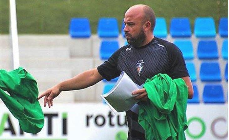Paraules d'agraïment de Isma Moyano cap al seu ex entrenador Manolo González  // FOTO: Eloy Molina