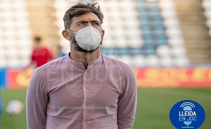 No ho està passant molt bé el tècnic andalús del Lleida E. Molo // FOTO: Lleida En Joc-Jordi Echevarría