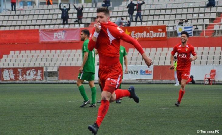 Gol clau per a Lucas Viña i, especialment, per a l'equip de Juanjo González a l'Olímpic // FOTO: Terrassa FC