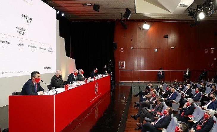 Imatge panoràmica de la reunió haguda aquest dijous a Las Rozas // FOTO: RFEF