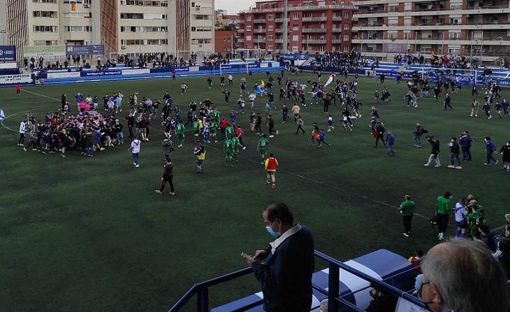 Felicitats a tot l'europeisme! Ascens merescudíssim de l'equip de la Vila de Gràcia, sent el dominador de la #3div5 d'inici a final! FOTO: JSC