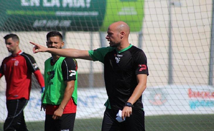 Xavi Calm, ara al Atlétic Balears,  va dirigir l'equip verd a la final de la Copa RFEF // FOTO. UE Cornellà