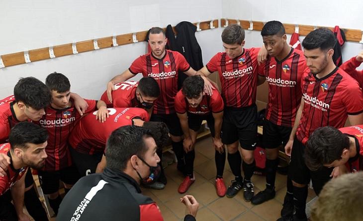 El tècnic vallesà ha aconseguit col·locar al seu equip al capdavant del subgrup 1B de Primera Catalana // FOTO: O.A.