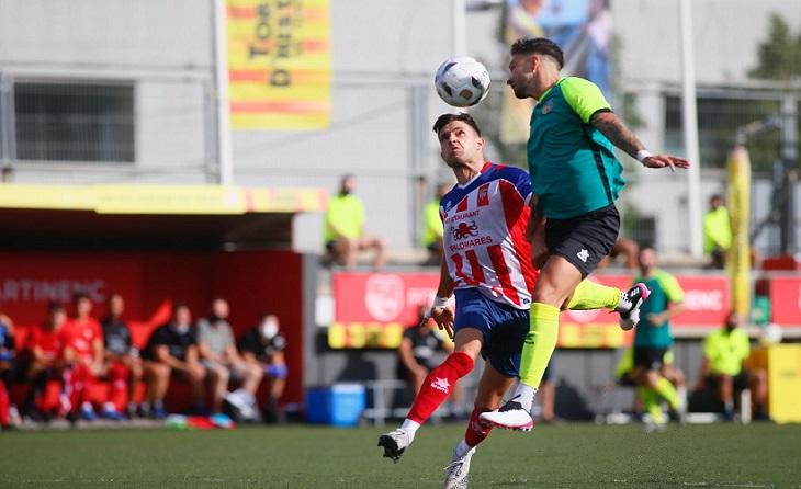 Un gol de Pime dóna el triomf al Vilassar davant els 'diables vermells' del Martinenc // FOTO. Històrics