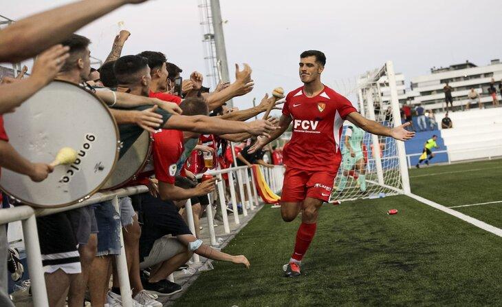 Aythami va connectar amb l'afició egarenca des del primer dia // FOTO: Terrassa FC