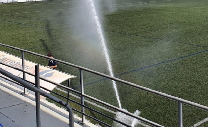 L'única aigua que es va veure al Sagnier va ser la que va sortir de l'aspersor // FOTO: Jordi Mestres