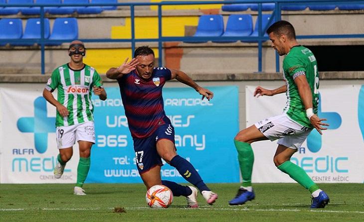 Jordi Xumetra va ser l'heroi pel Costa Brava contra el Cornellà // FOTO: RFEF